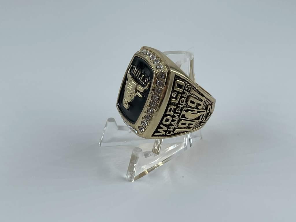 Replica NBA Championship Ring - 1991 Chicago Bulls - Michael Jordan