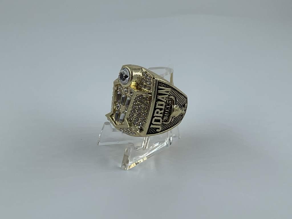 Replica NBA Championship Ring - 1998 Chicago Bulls - Michael Jordan