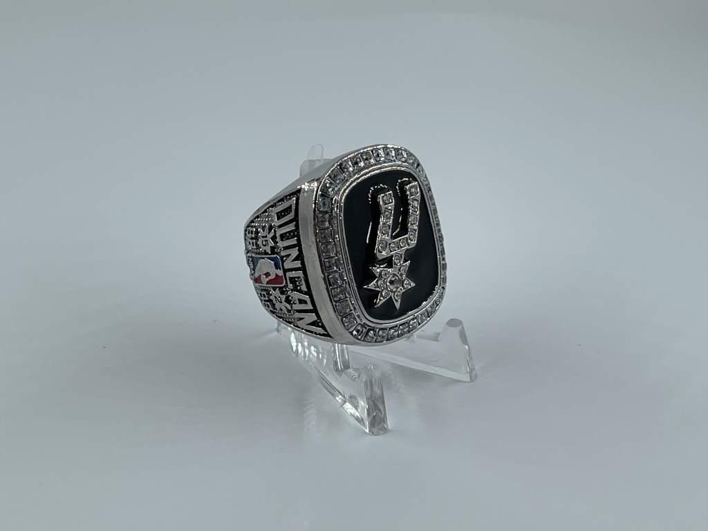 Replica NBA Championship Ring - 1999 San Antonio Spurs - Tim Duncan
