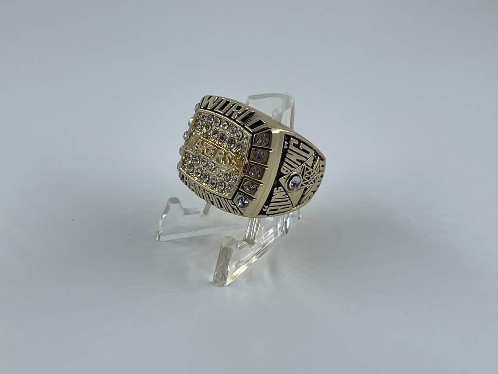 Replica NBA Championship Ring - 2000 Los Angeles Lakers - Kobe Bryant