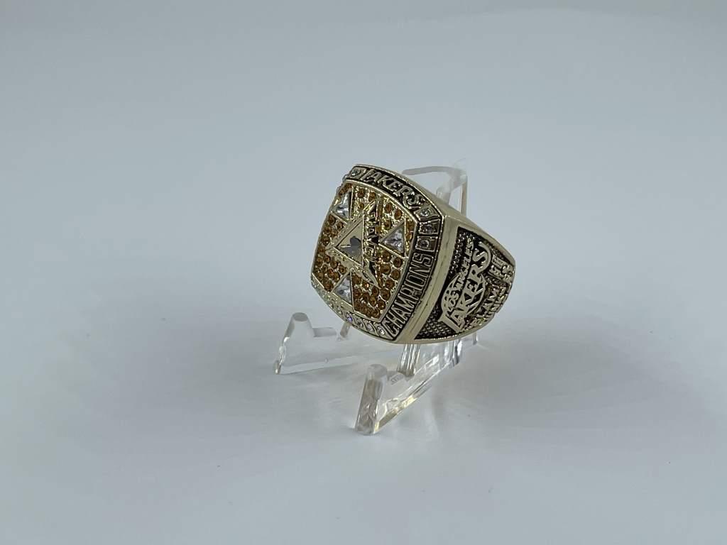 Replica NBA Championship Ring - 2002 Los Angeles Lakers - Kobe Bryant