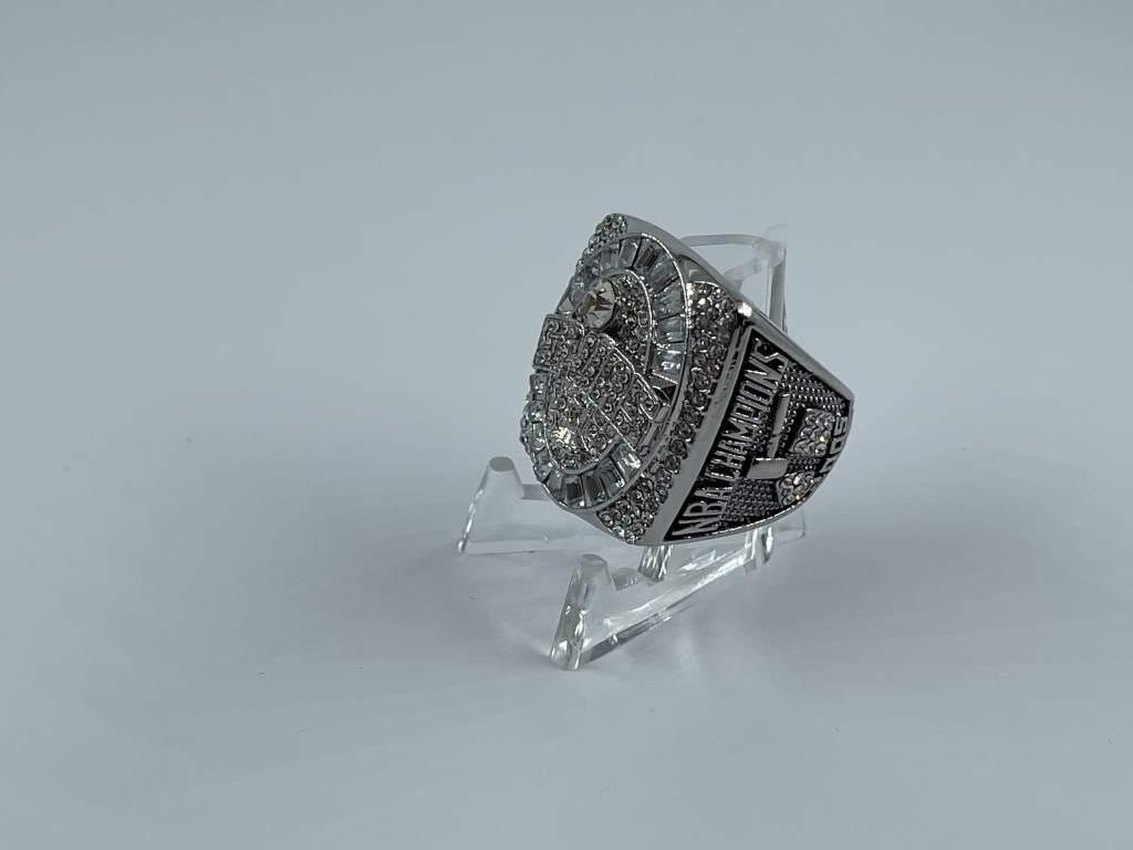 Replica NBA Championship Ring - 2005 San Antonio Spurs - Tim Duncan