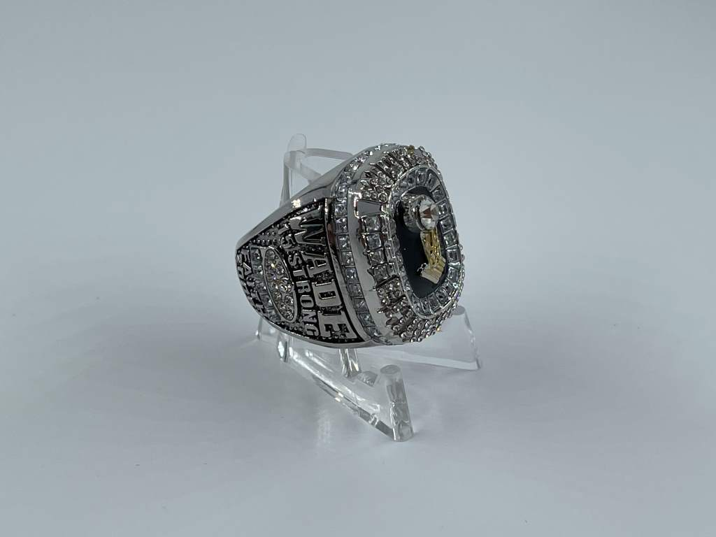 Replica NBA Championship Ring - 2006 Miami Heat - Dwayne Wade