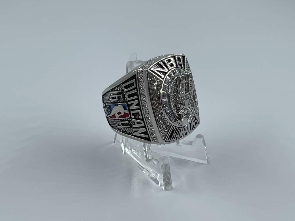 Replica NBA Championship Ring - 2007 San Antonio Spurs - Tim Duncan