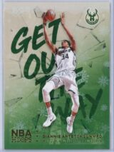 Giannis Antetokounmpo Panini NBA Hoops Basketball 2018-19 Get Out The Way Gold  Winter Edition