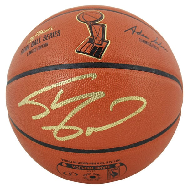 Lakers Shaquille O'Neal Signed NBA Finals Logo Basketball w/ Gold Sig [BAS T21439]