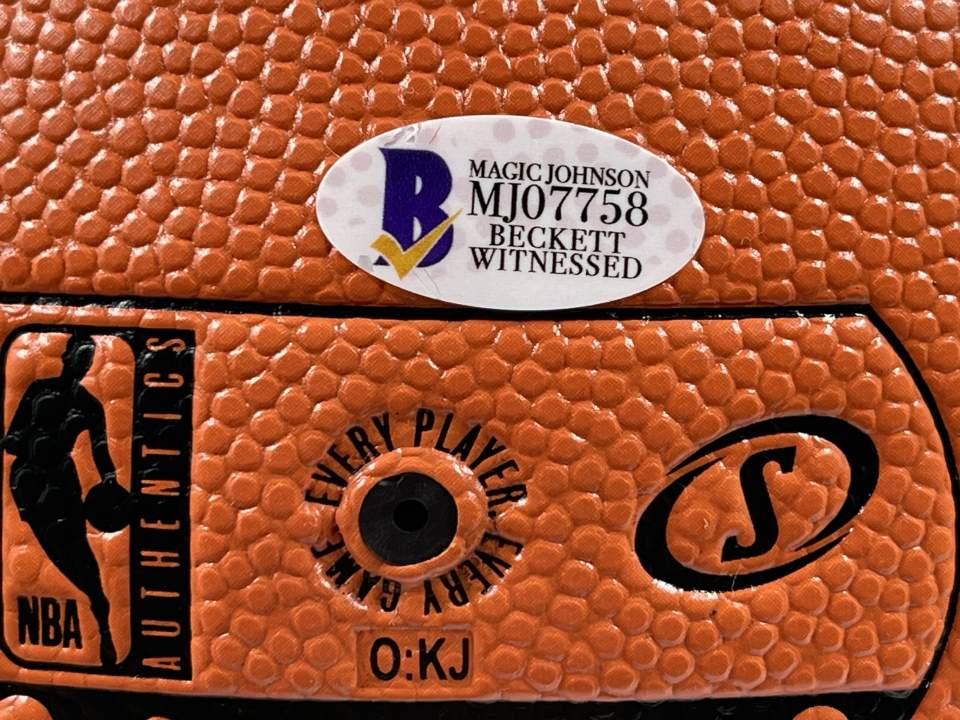 Lakers Magic Johnson Signed Spalding Basketball w/ Gold Signature [BAS MJ07758]